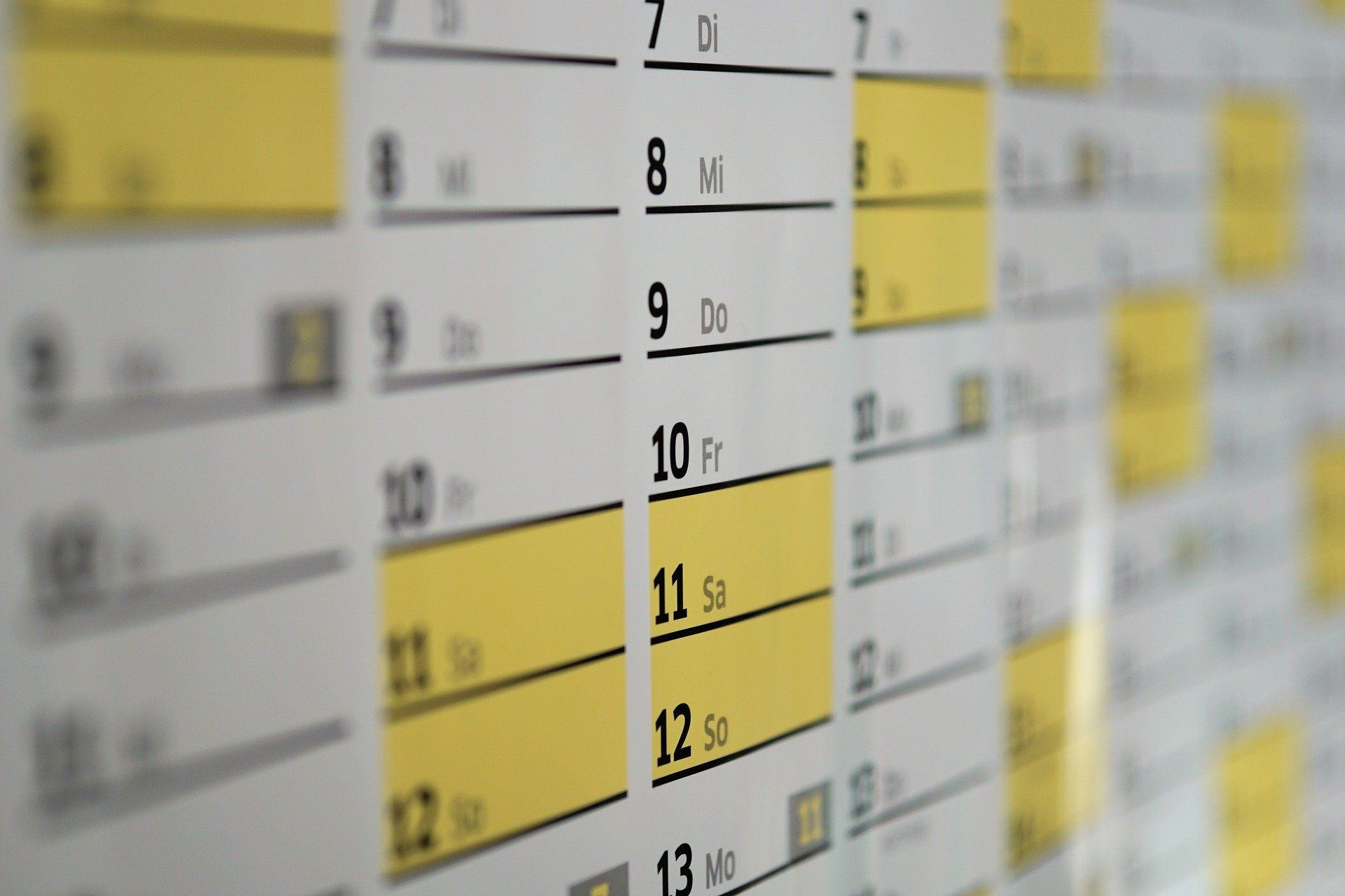 Learn French faster with a calendar