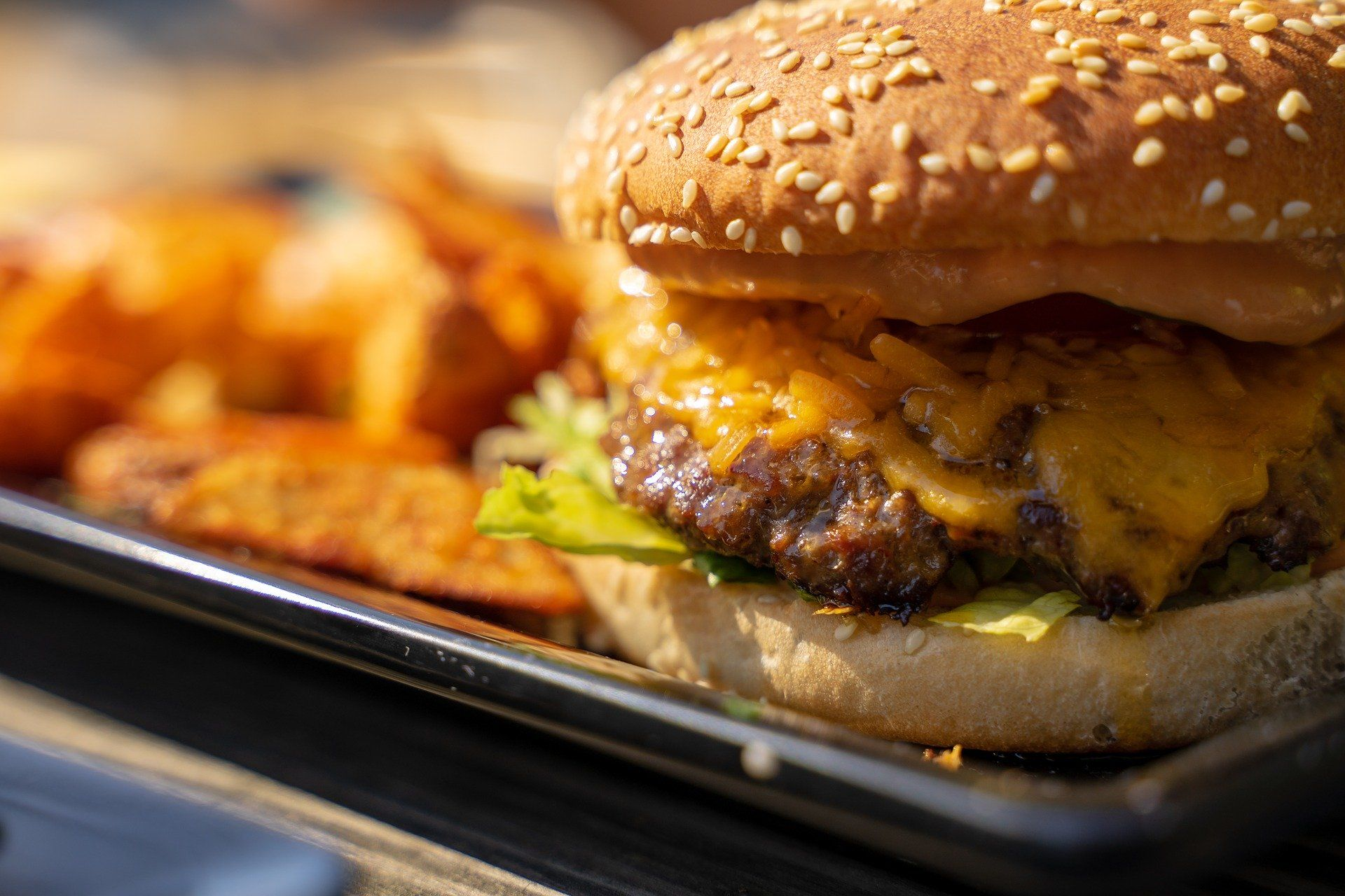 Cheeseburger with fries is not good for brain health