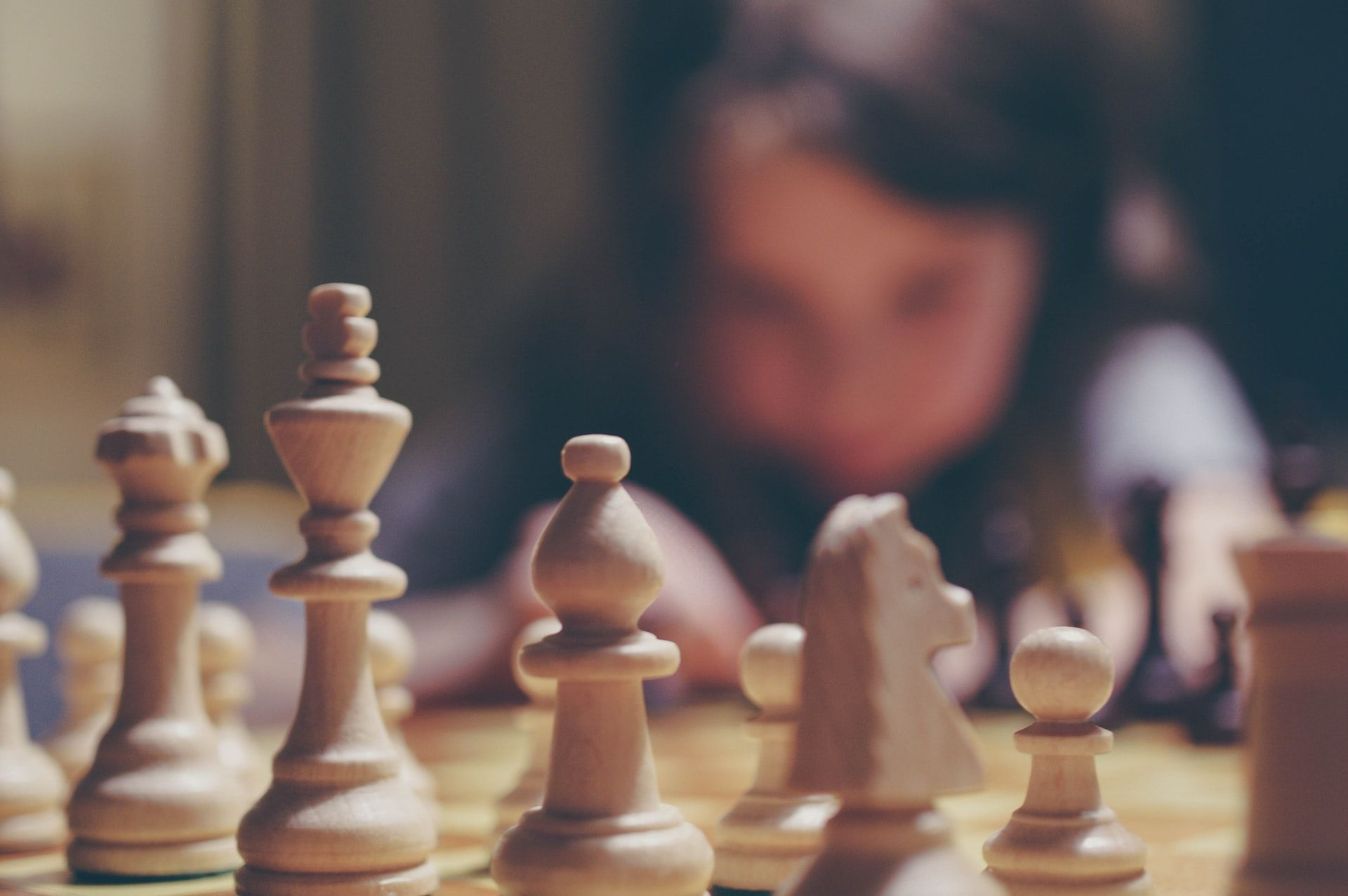 does chess make you smarter board and girl