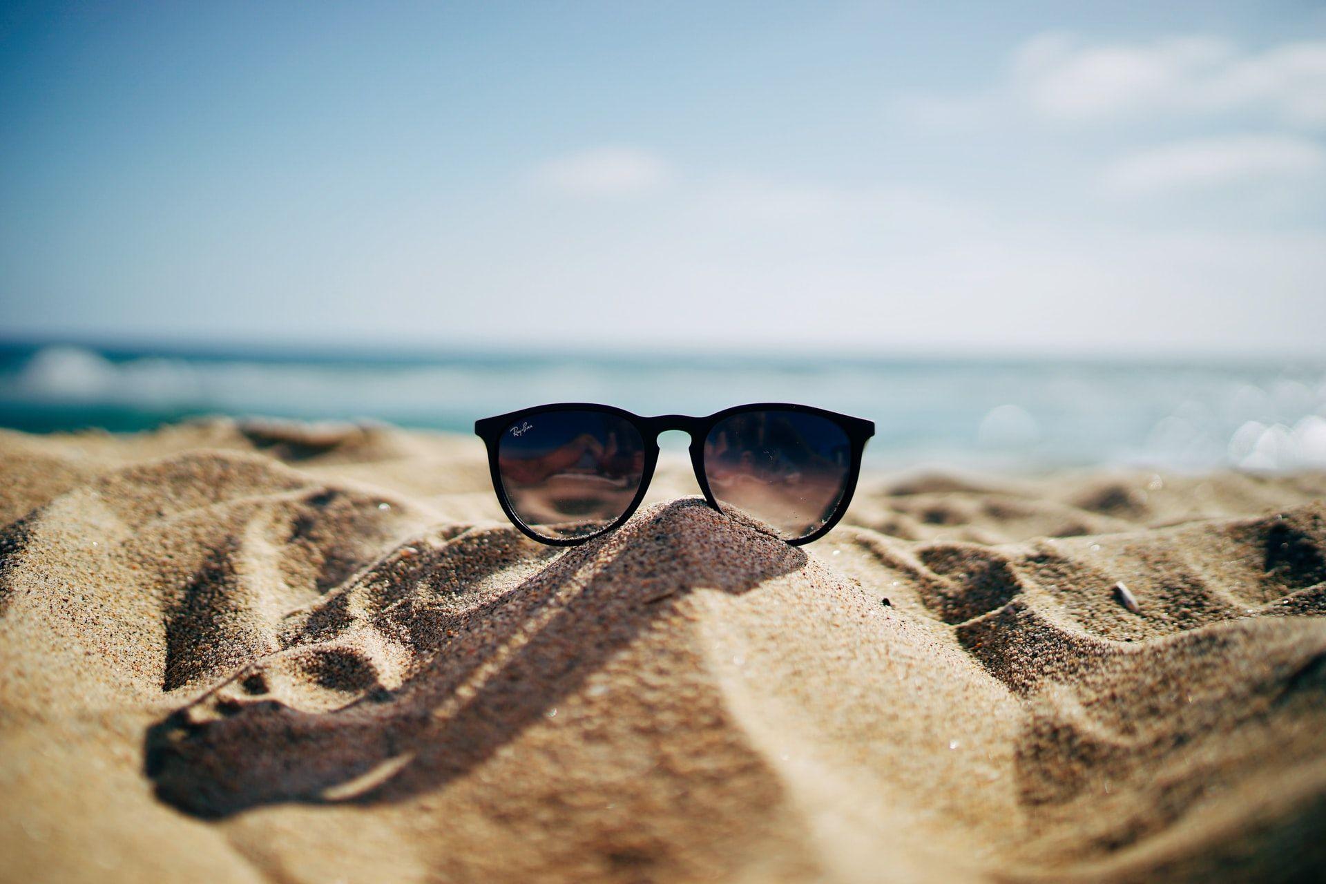 beach sunglasses hot weather poorer memory